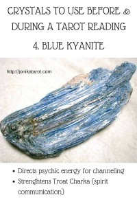 CRYSTALS TO USE BEFORE & DURING A TAROT READING (3)